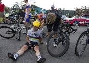 Sprots Biking cavendish-crash-save-tour-de-france