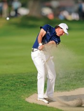 golf insl01-mickelson-uneven-bunker-lie